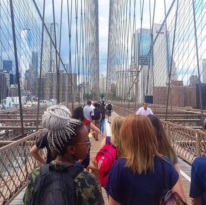 Walk along the Brooklyn Bridge