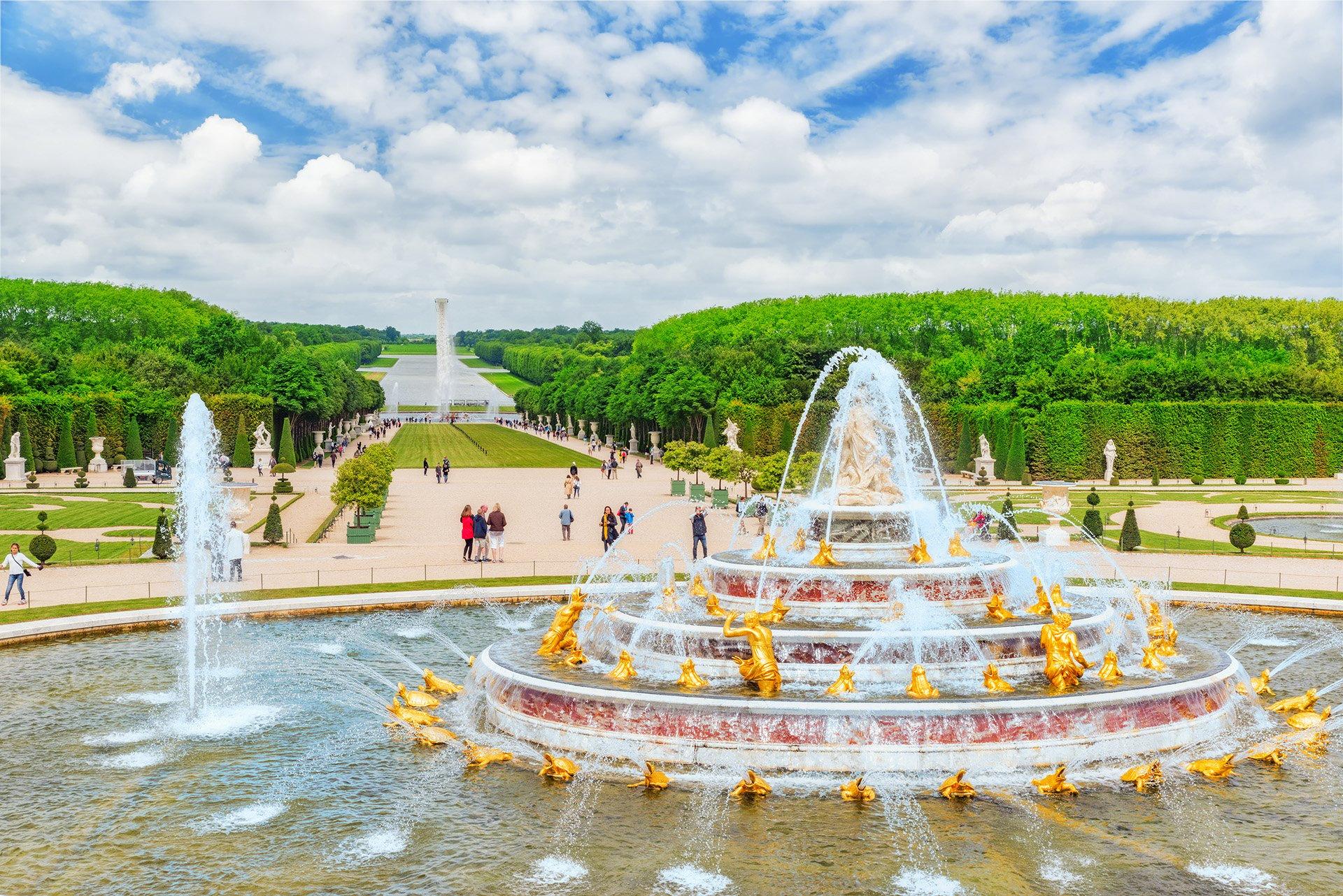 Palace of Versailles_1920